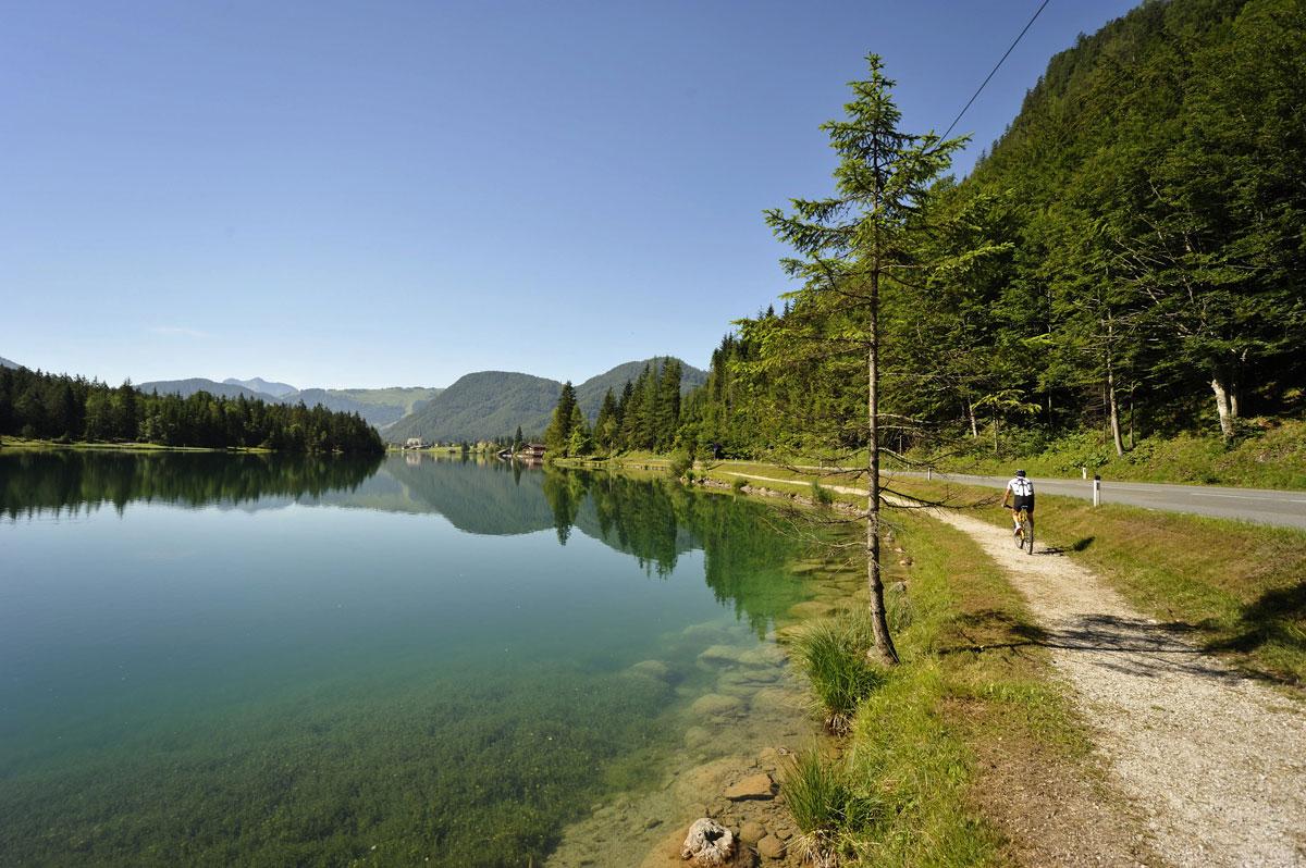 <p>Radeln am Pillersee</p>