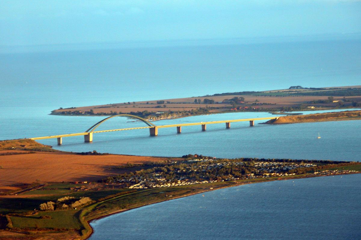 Brücke vom Festland zur Insel Fehmarn