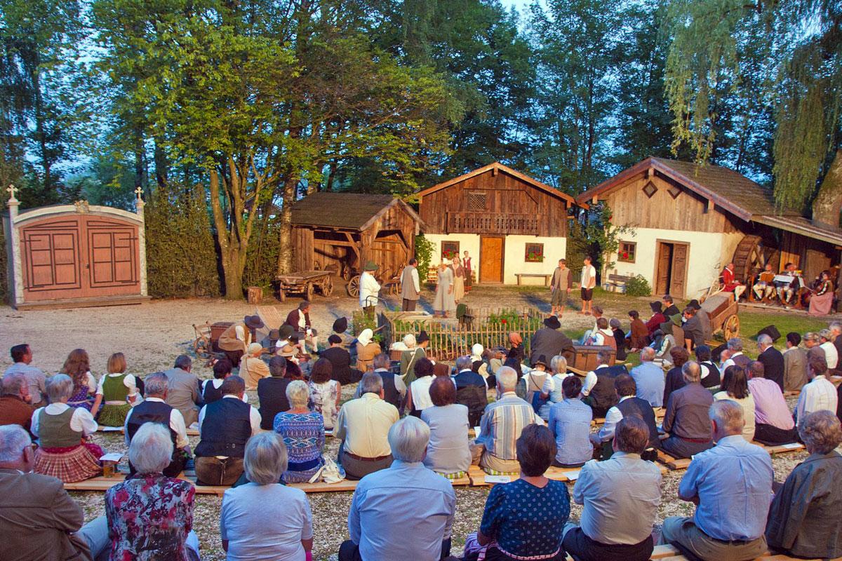 @ Gemeinde Ainring - Freilichtbühne