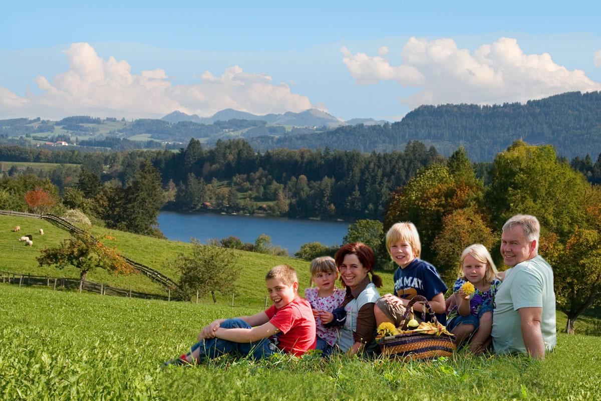 <p>© Gästeinformation Waltenhofen - Blick auf den Niedersonthofener See</p>