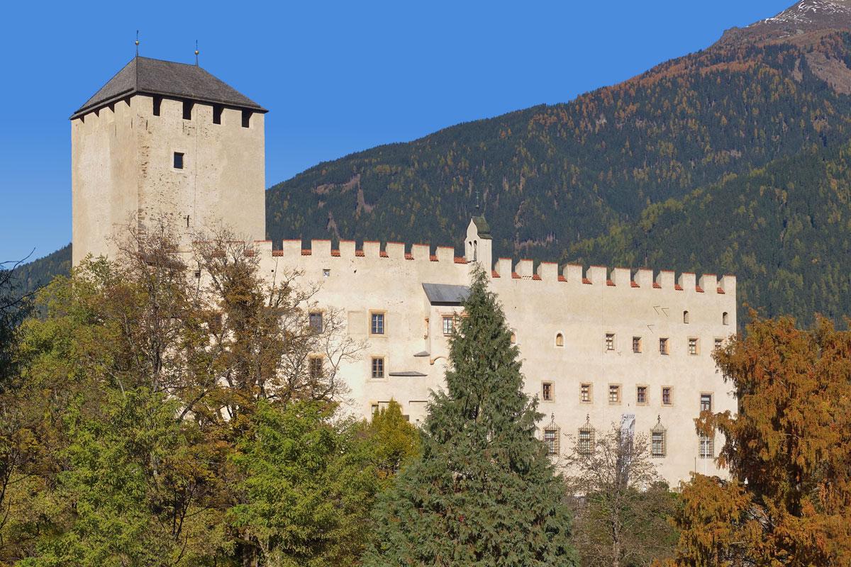 <p>Schloss Bruck in Lienz</p>