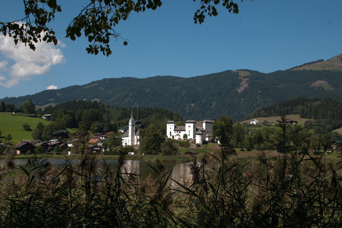 Schloss Goldegg auf der Salzburger Sonnenterrasse