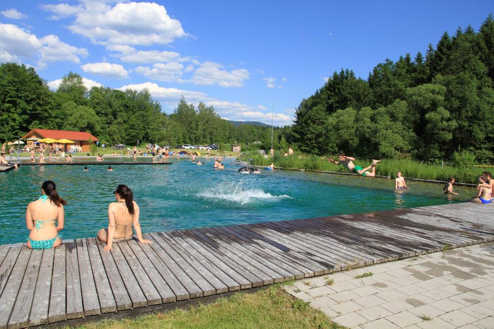 <p>© Touristinfo Drachselsried - Naturbad &nbsp;Zellertal</p>
