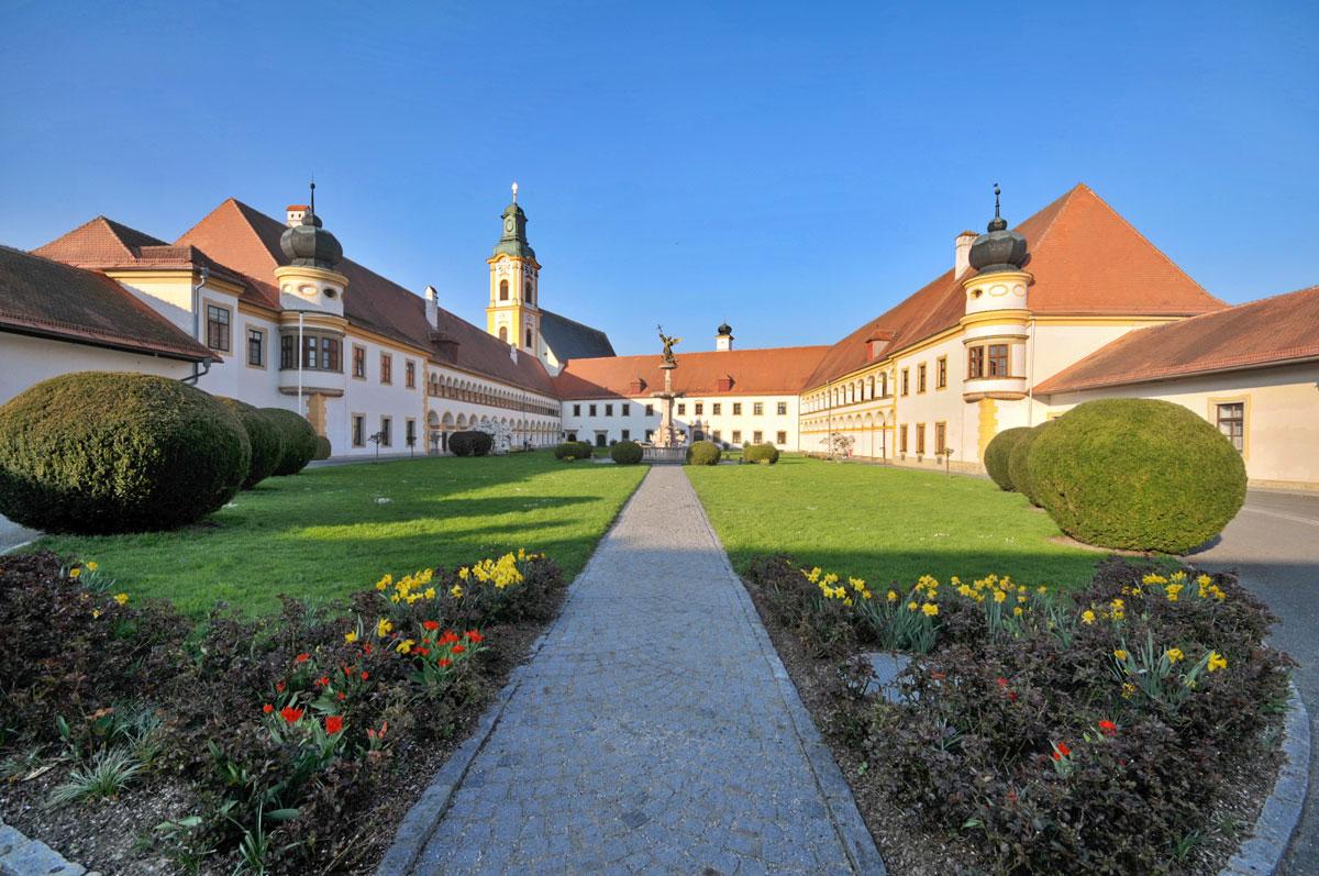 Reichersberg, Augustiner Chorherrenstift