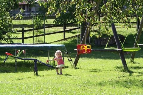 Spielplatz direkt am Hof