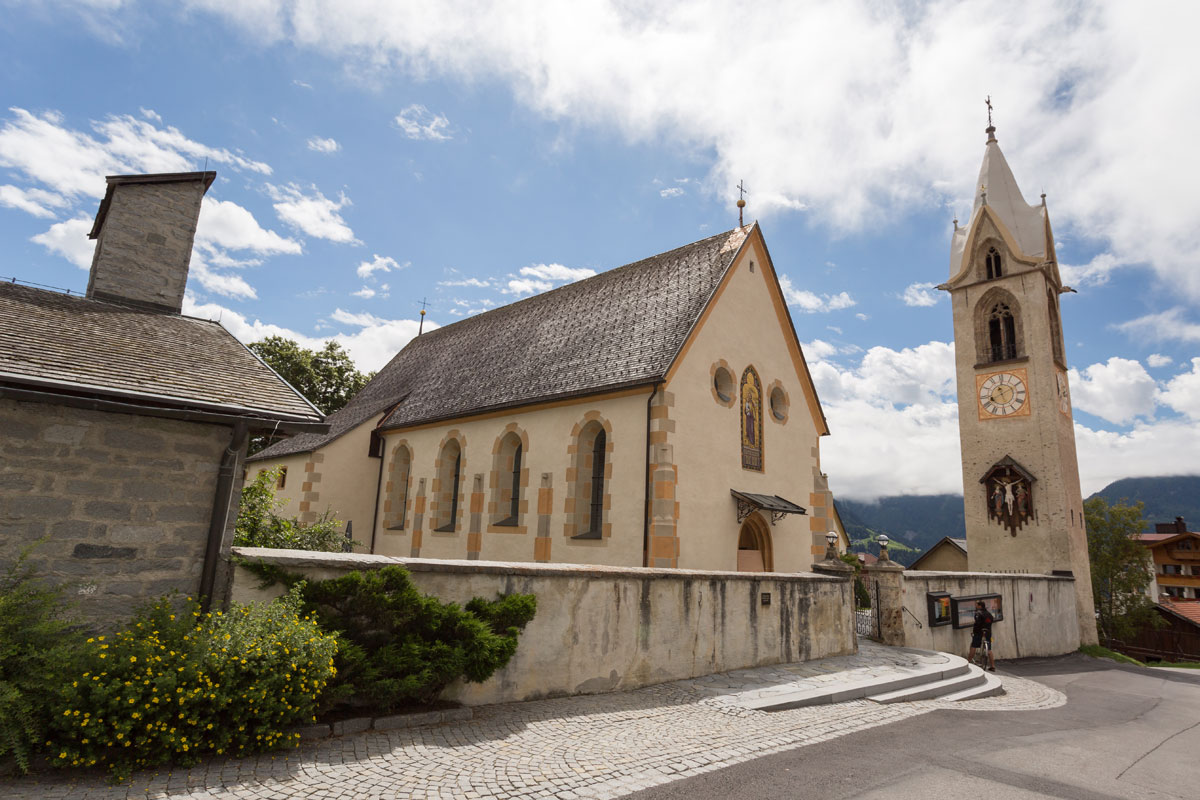 Pfarrkirche Maria Himmelfahrt in Serfaus