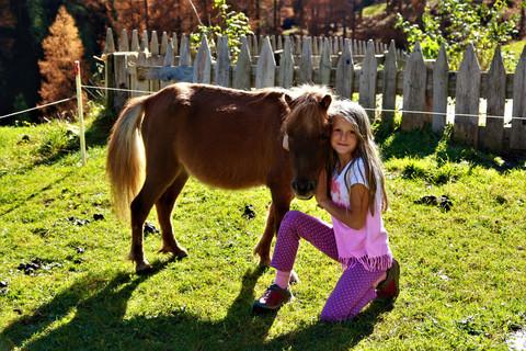 Unsere Gästekinder lieben unsere Pferde