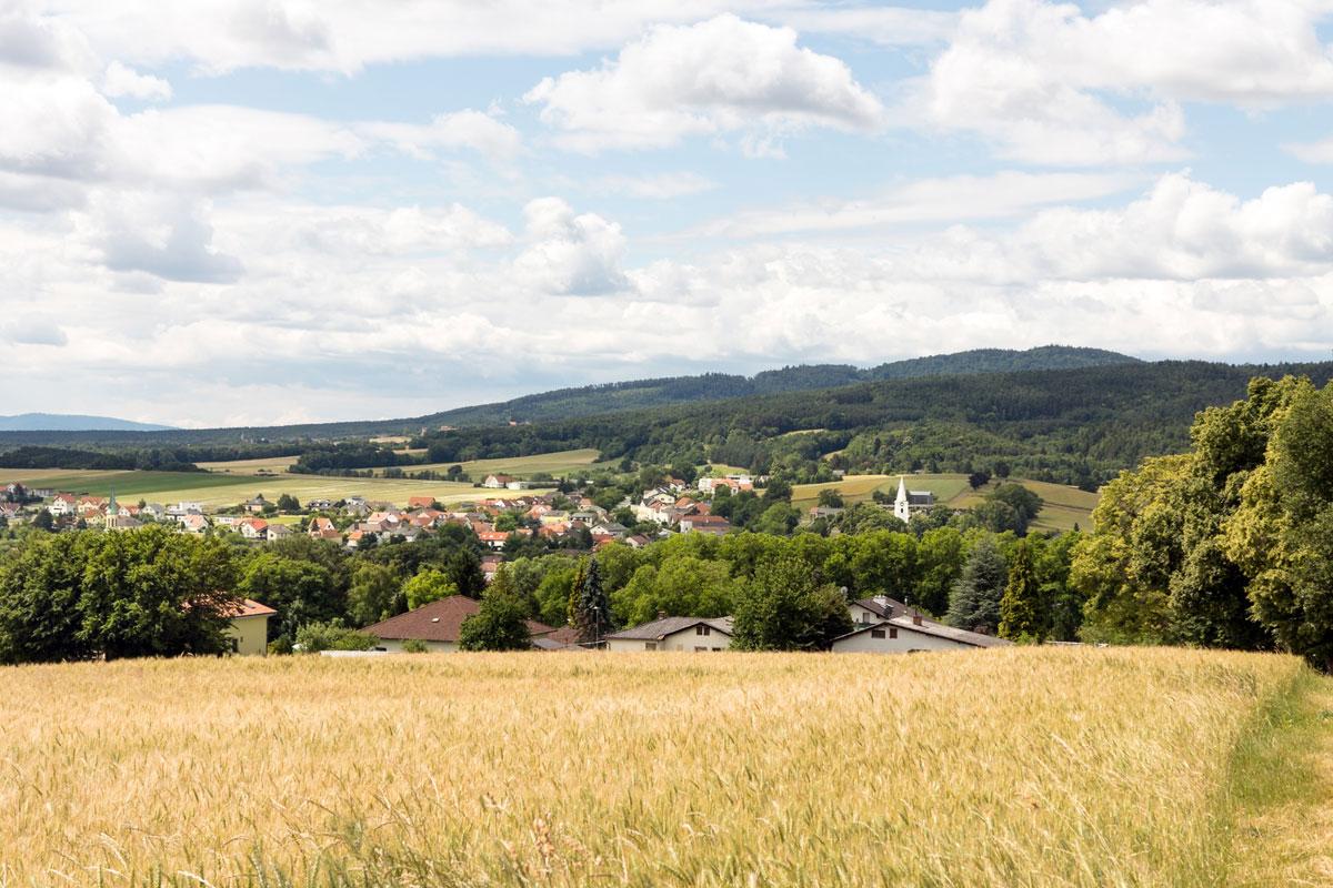 Blick auf die Marktgemeinde Kobersdorf im Mittelburgenland