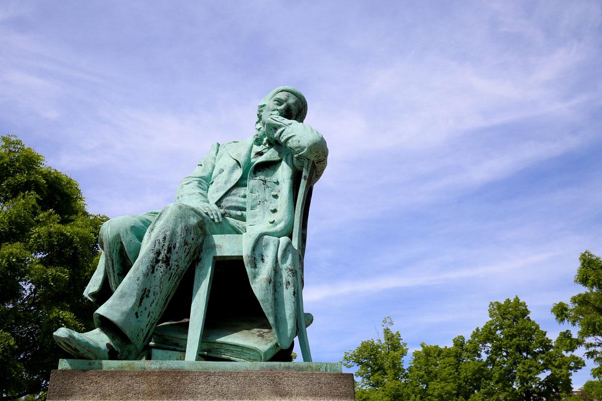 <p>Robert Schumann Statue in Zwickau</p>