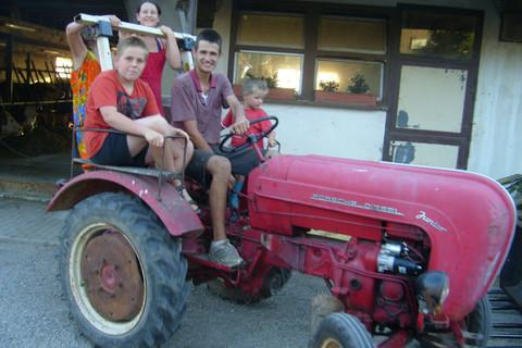 Eine Traktorfahrt auf dem Ignazhof