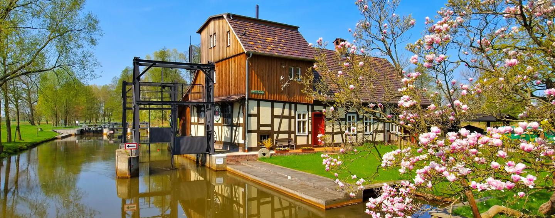 Radduscher Buschmühle im Spreewald im Frühling