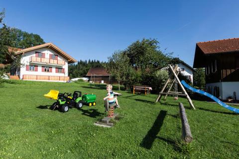 Große Spielwiese direkt am Hof