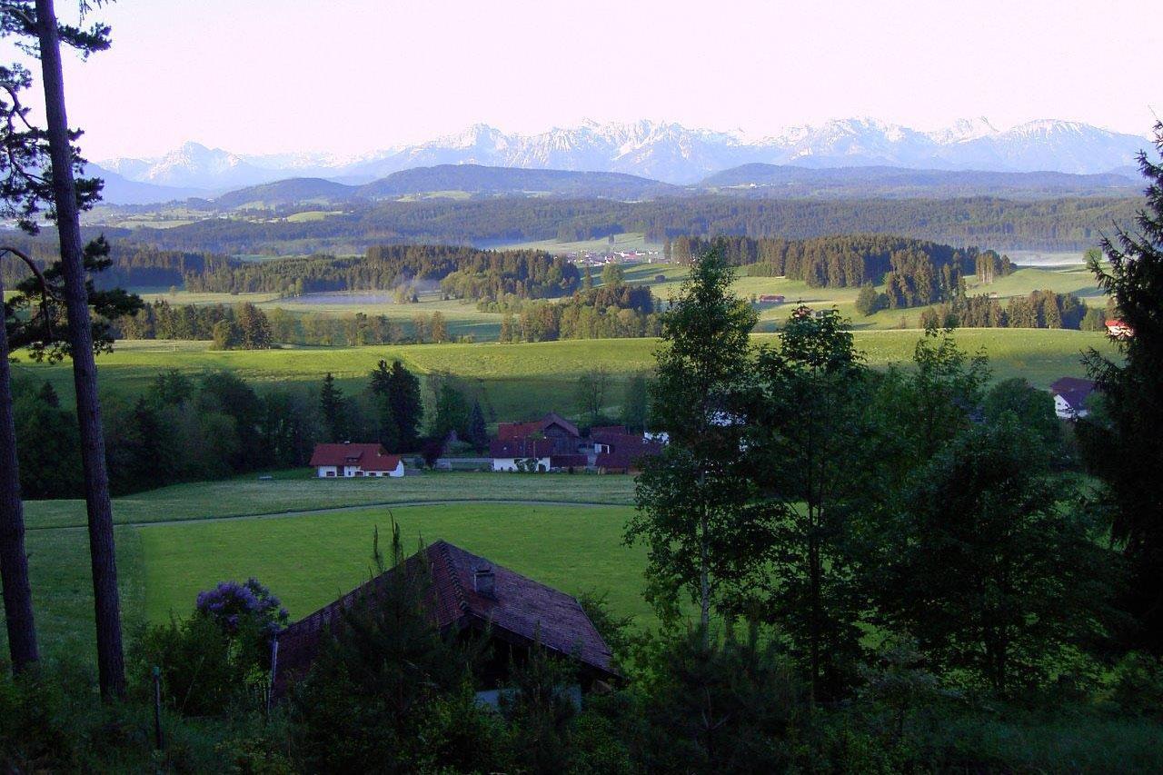 © Evi Fink - Blick vom Römerweg aus auf die Alpenkette