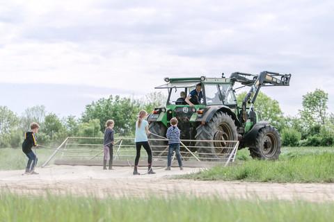 Traktor -  Ostsee Ferienhof Bendfeldt