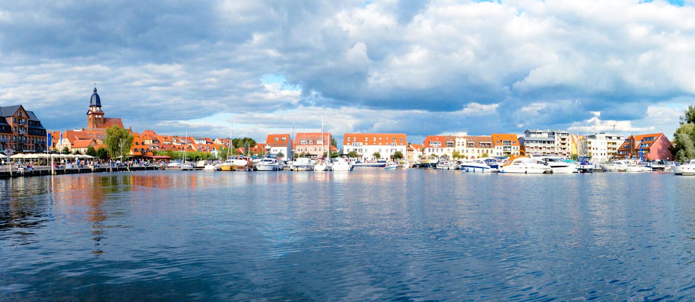 Hafen in der Stadt Waren an der Müritz