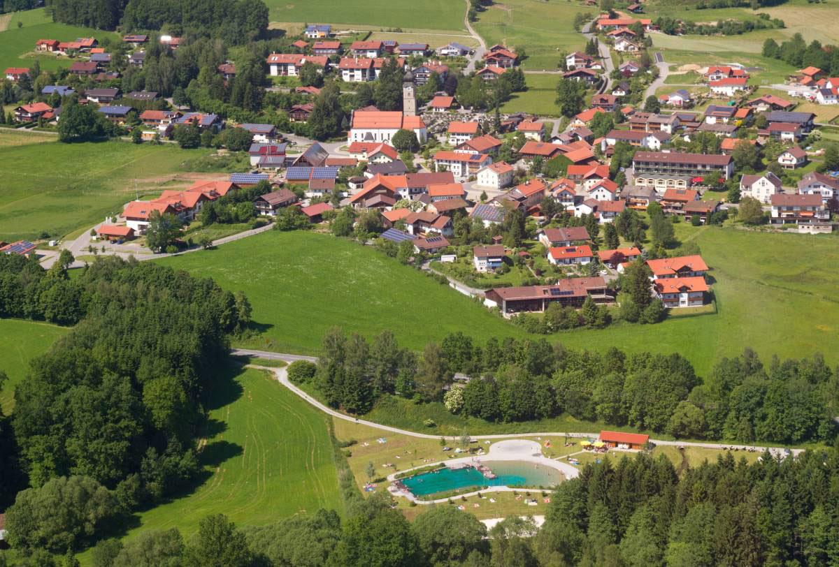 © Touristinfo Drachselsried - Luftaufnahme