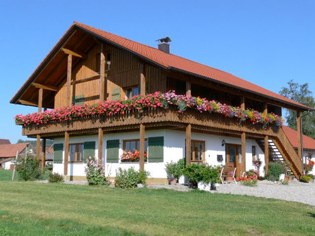 Familiärer Ferienhof in ruhiger Lage mit Bergblick