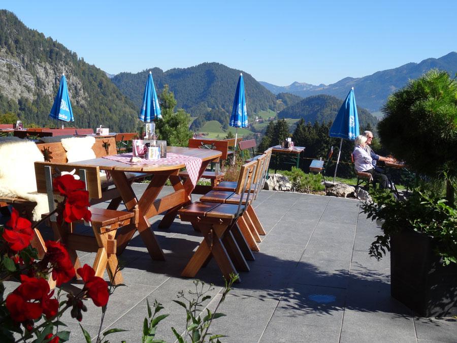 Die Alpin-Terrasse mit herrlicher Weitsicht