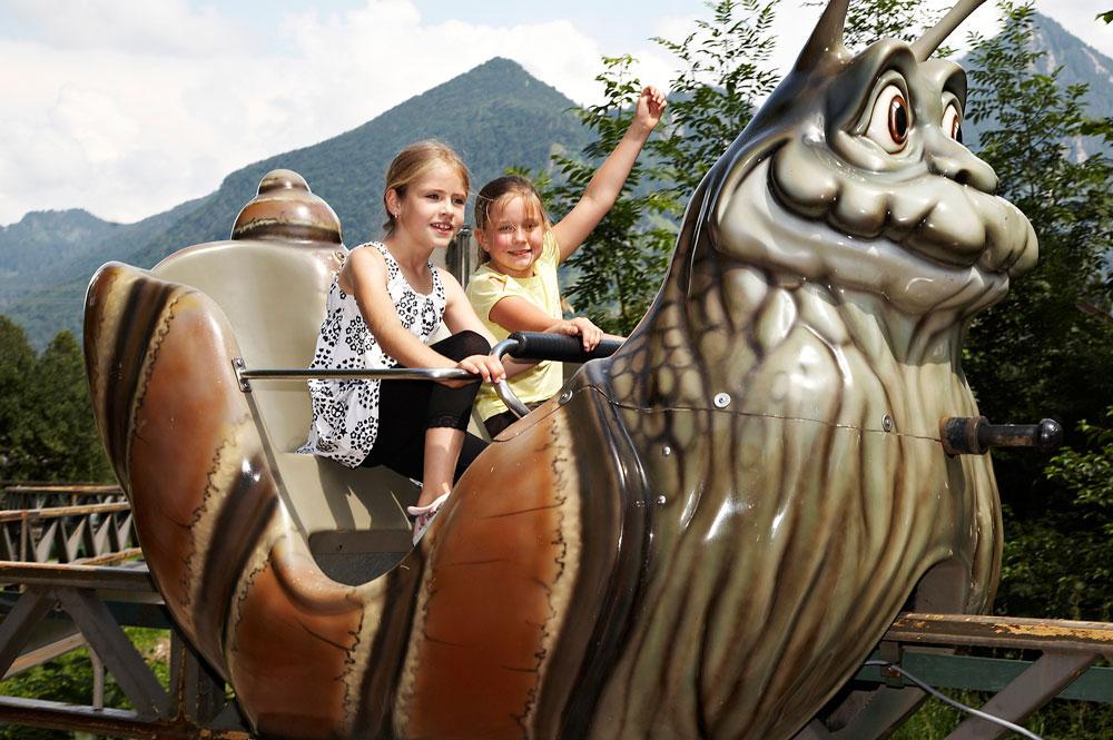 Lustiges Schneckenrennen im Märchen-Erlebnispark Marquartstein