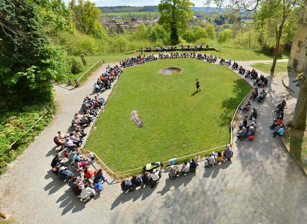 Spannende Falknerei-Vorführung - Falkenhof Schloss Schillingsfürst