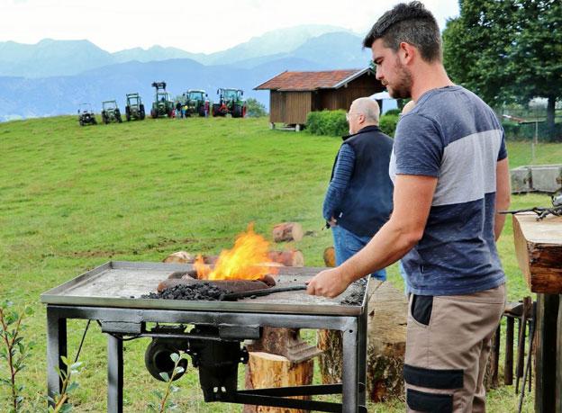 Leckeres Grillen am Bio Berghof Kinker