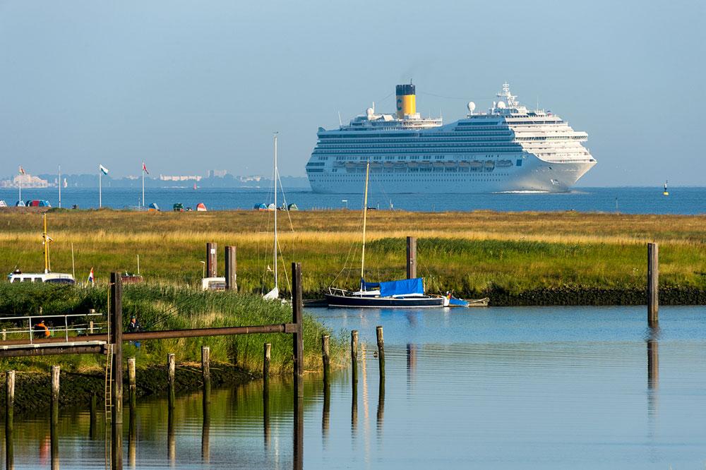Toller Anblick für Schiffsliebhaber: der Hafen bei Otterndorf - © Otterndorf Marketing GmbH